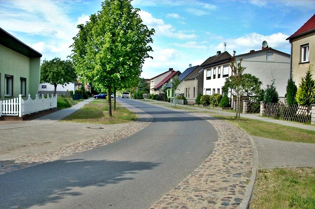 Ausbau der Trift und Nebenstrasse Teschendorf